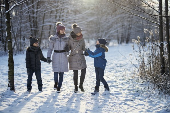 Connect kids with winter on the five senses walk