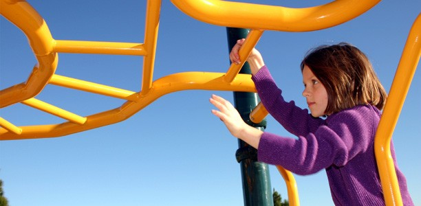 Why some kids struggle on the monkey bars