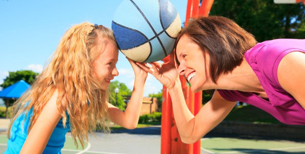 5 tips for surviving the playground with your kids after school