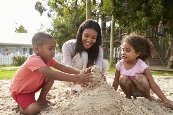8 reasons parents should play with their kids