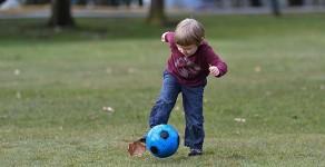 Apprendre aux jeunes enfants à bouger de la bonne façon leur évitera des blessures lorsqu'ils seront adultes