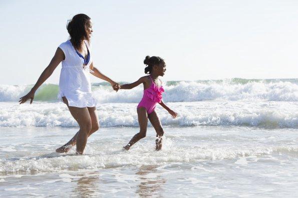 6 secrets pour élever des filles actives et sûres d'elles