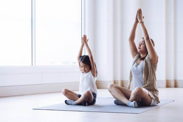 12 raisons pour lesquelles le yoga est bon pour les enfants