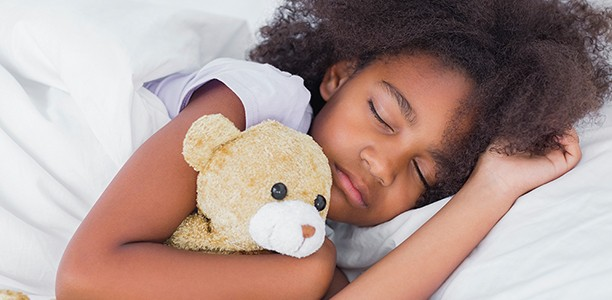 6 ways to encourage healthy sleep habits for the whole family