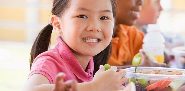 5 tips to help kids build a healthy relationship with food