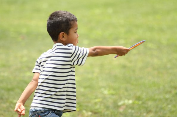 6 fun games you and your kids will play on grass this summer