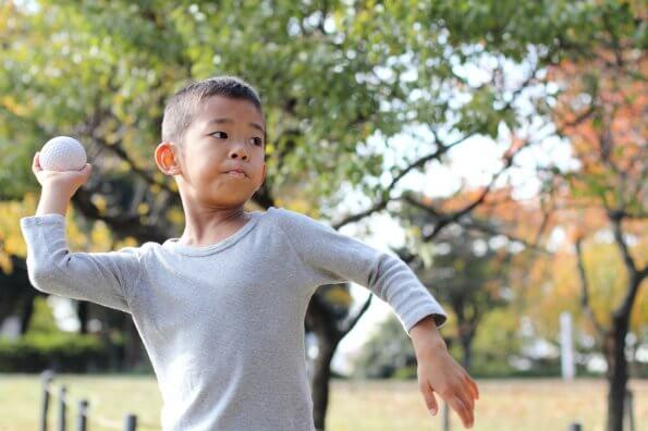 Throwing: How to teach kids to throw correctly
