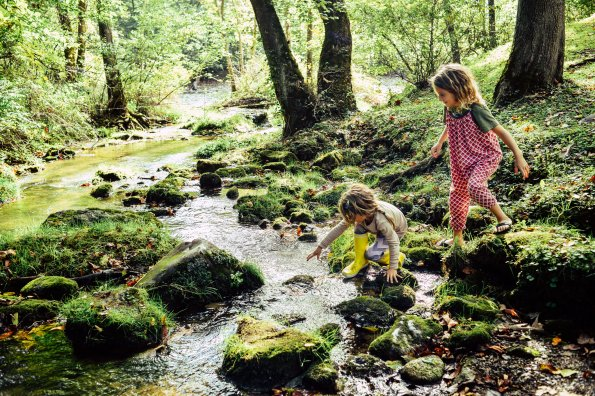 How to help children connect with nature