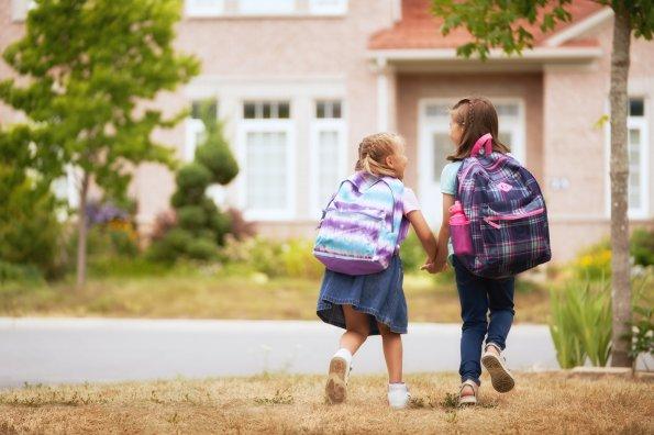 Faut-il laisser les enfants marcher seuls pour aller à l'école?