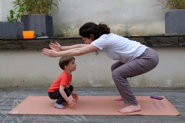 6 mood-boosting yoga poses you can do with kids